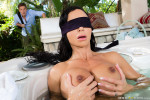 brazzers-my-friends-blindfolded-mom-jewels-jade-mommy-got-boobs