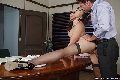 Vote of Cum-fidence Chanel Preston